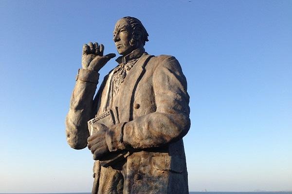 Statue of Charles Darwin. San Cristobal,