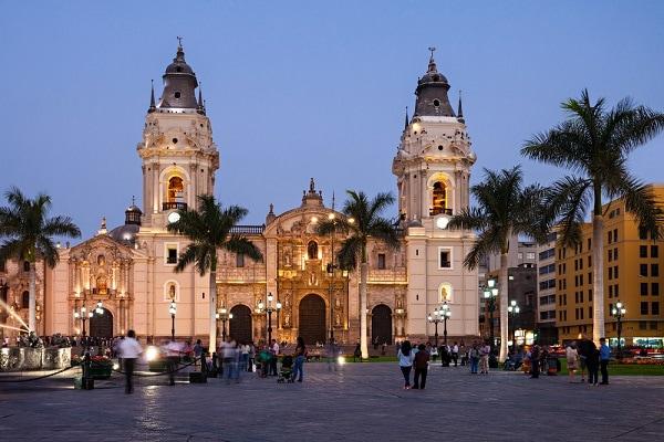 Lima Cathedral, Plaza Mayor