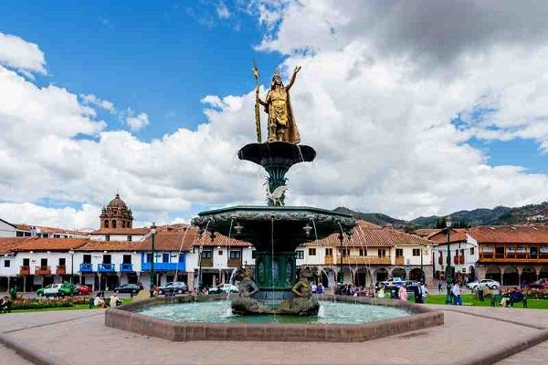 Colonial Cusco, Plaza de Armas Fountain
