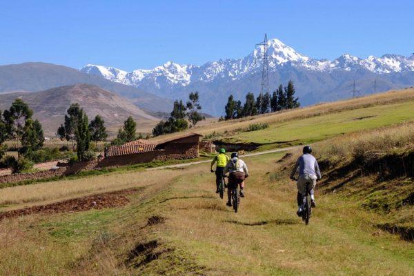 Mountain Biking to the Sacred Valley