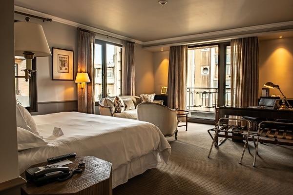 The Singular Hotel - Accommodations