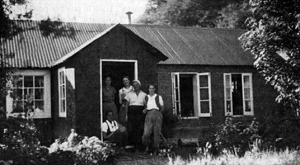 Black and White photo of Madsen House El CHalten