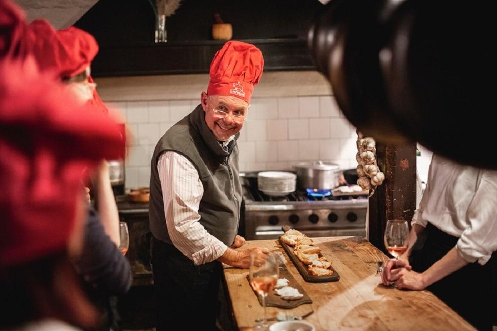 Estancia Los Potreros -Guests enjjoying cooking experiences