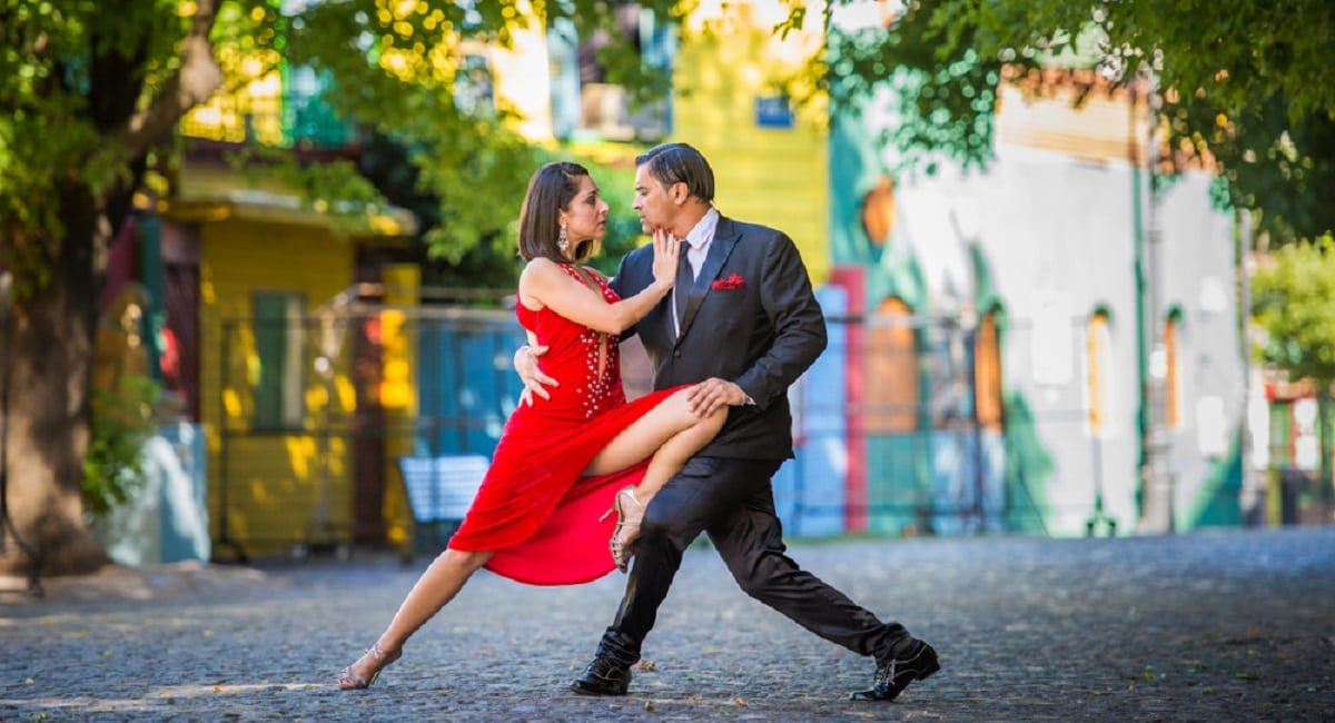 Tango dancers in La Boca Neighborhood of Buenos Aires