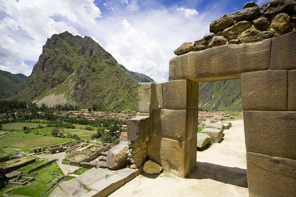 Inca Doorway - Ollantaytambo