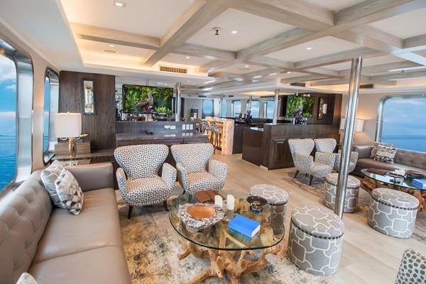 Luxury Cruise Origin Yacht - Lounge